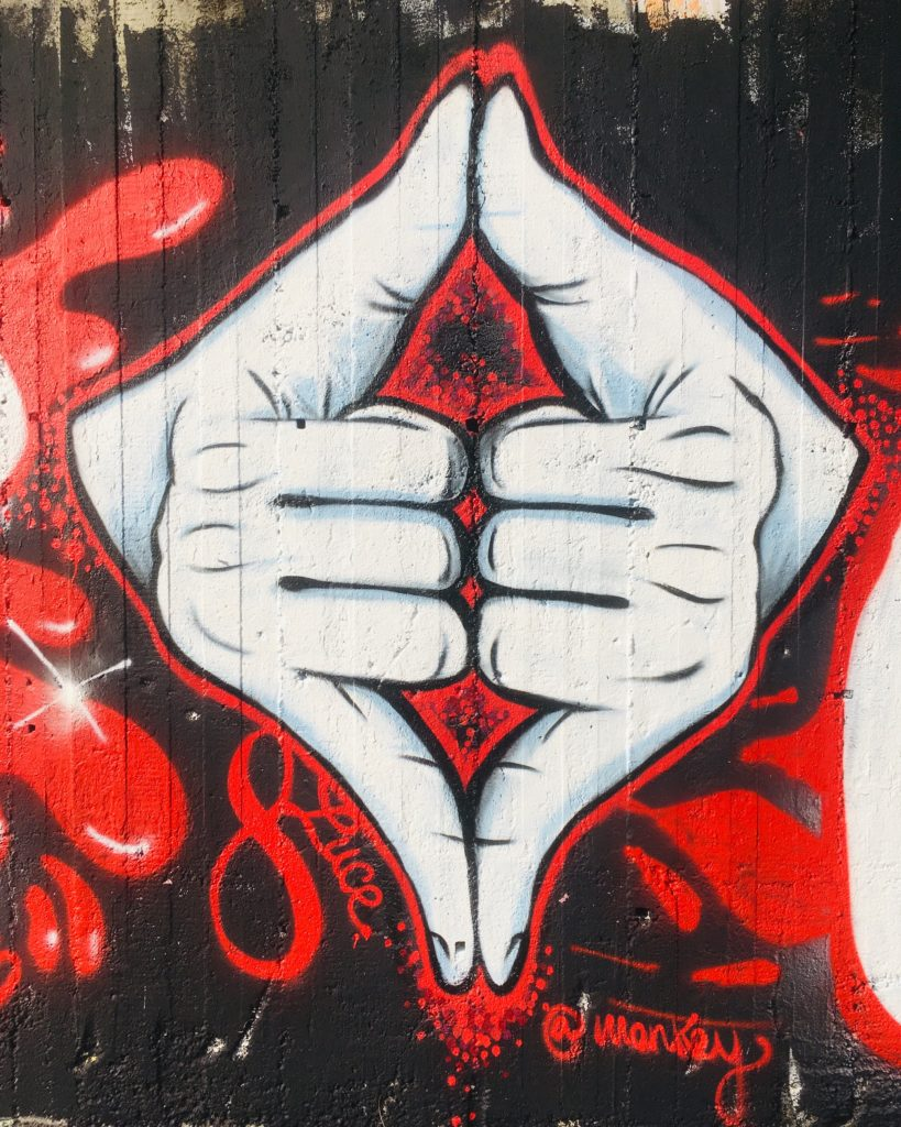 graphic-designer-freelance-graffiti-murales-mani